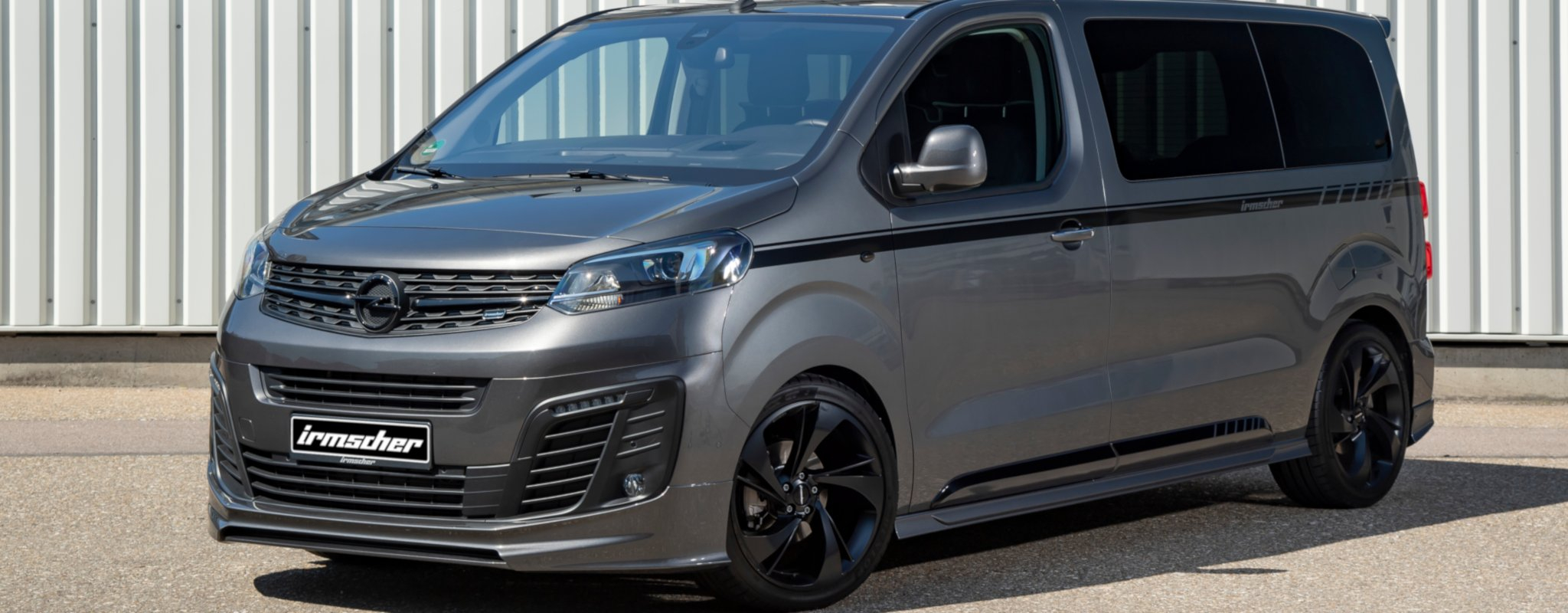 "Vivaro is3 ""Black Phantom"""