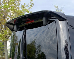 Dachspoiler is (Irmscher Sport)