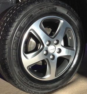 Wheel kit in Wave Star design (17 inch) with summer tire