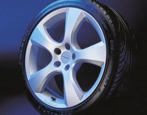 Wheel kit Evo Star design (18 inch) with winter tire