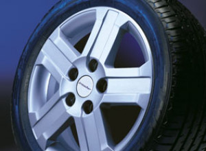 Wheel kit in Evo Star design (18 inch) with winter tire